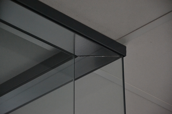 Corners - Clear glass corner